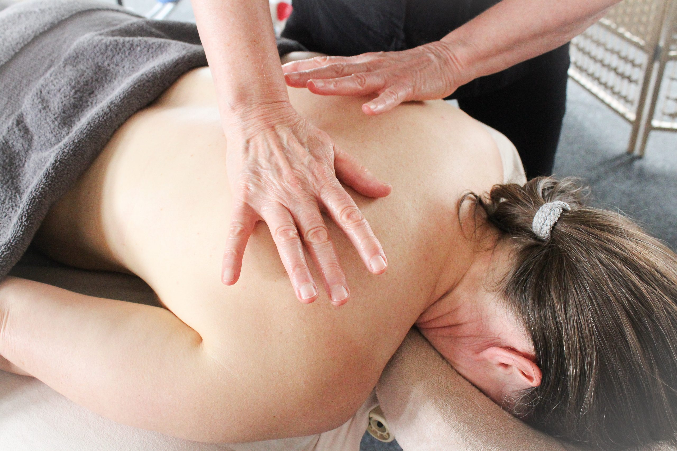 Holistic Therapeutic Massage Diploma – online element